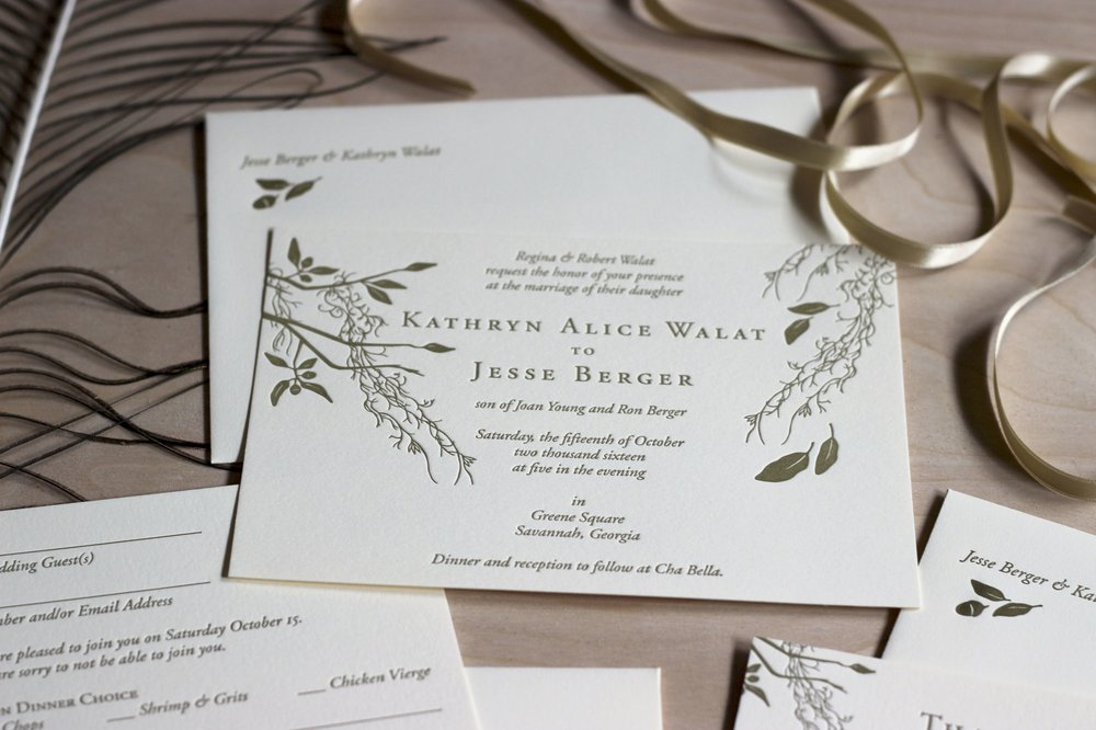 Spanish moss and live oak illustrated wedding invitation for Savannah, Georgia wedding