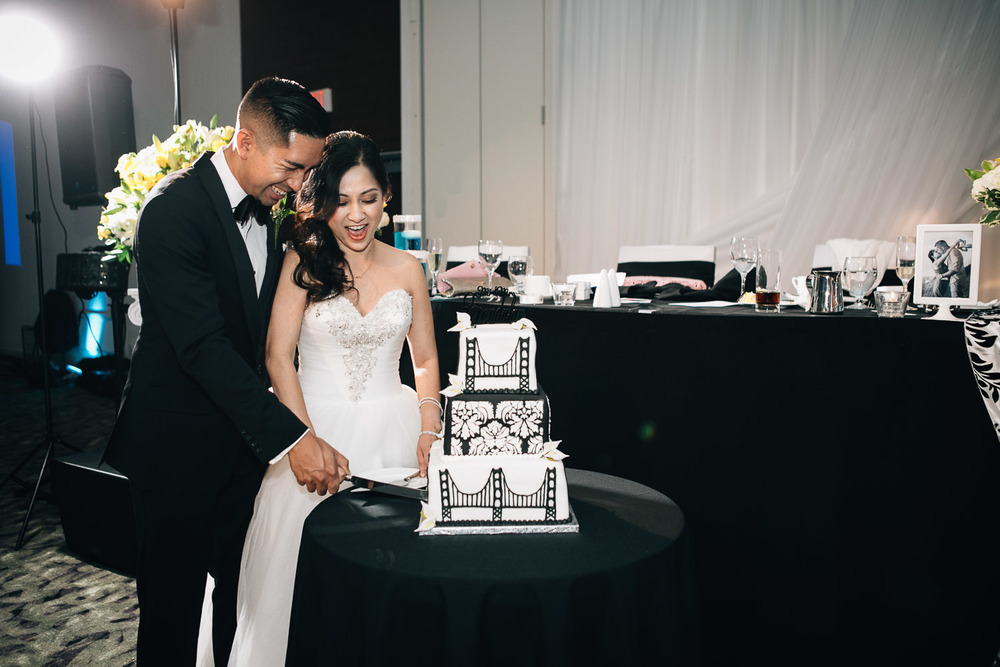 filipino cake cutting richmond wedding photographer westin wall centre vancouver airport noyo creative