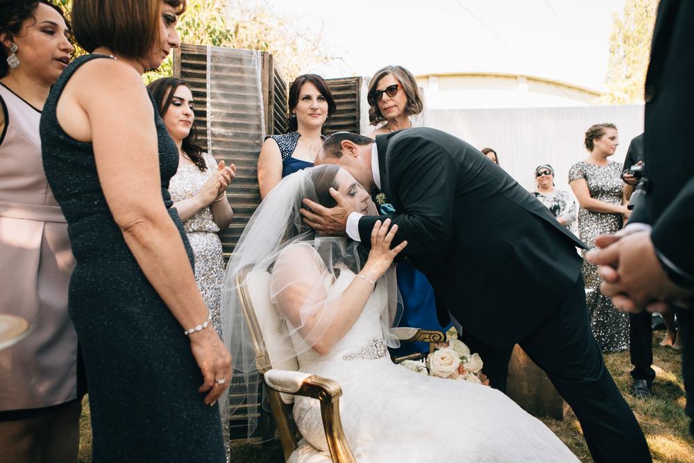 vancouver jewish bedeken ceremony wedding photographer