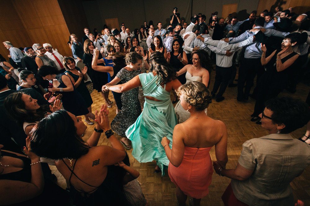 Schara Tzedeck hora jewish vancouver wedding photographer