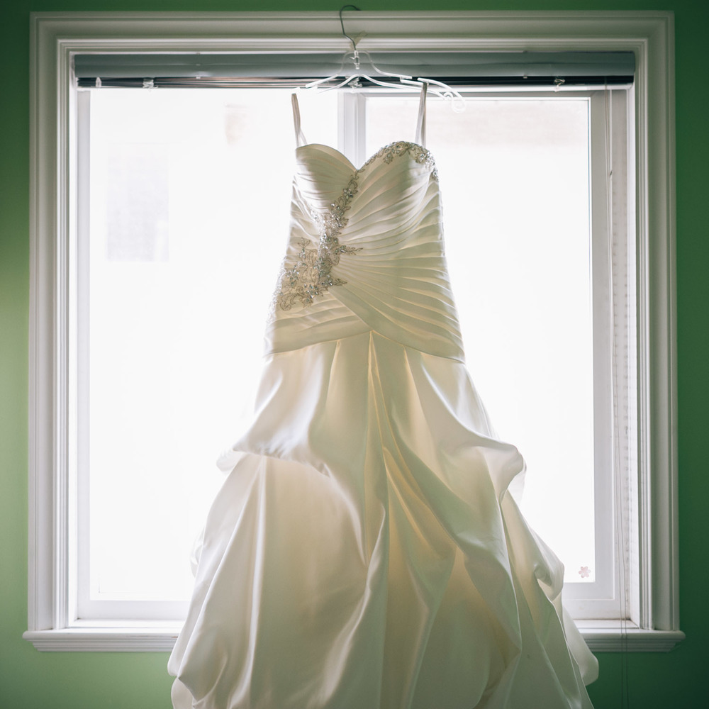 vancouver wedding dress photography