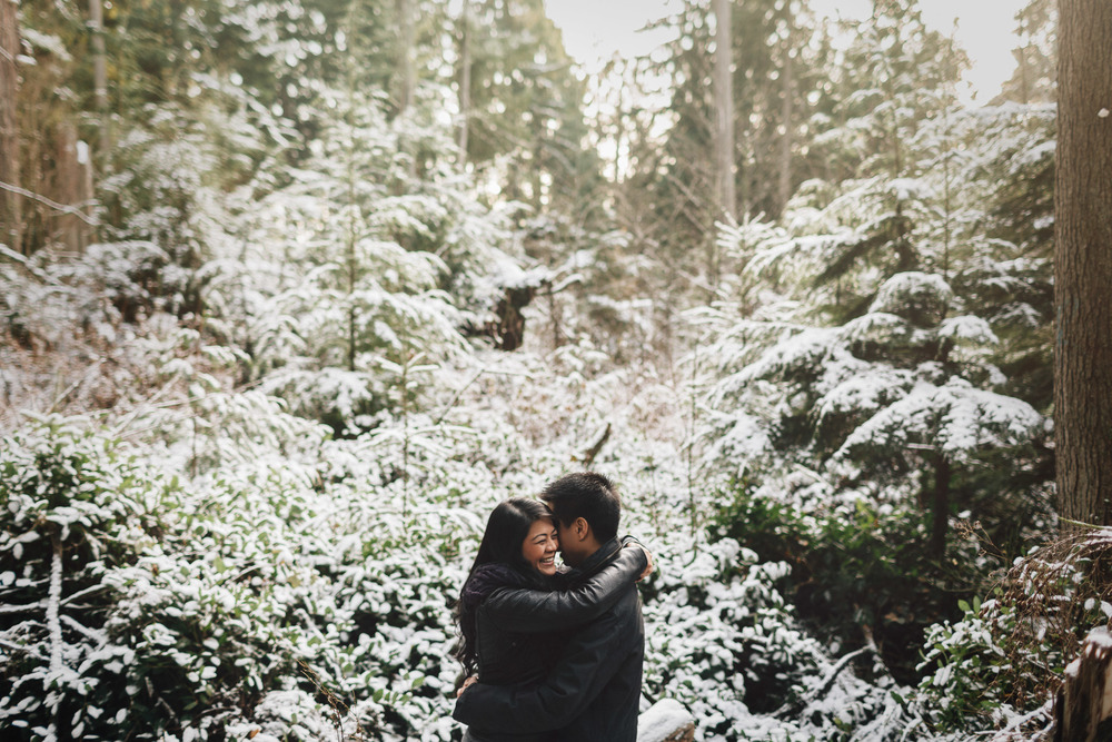 vancouver winter engagement photography beaver lake trail