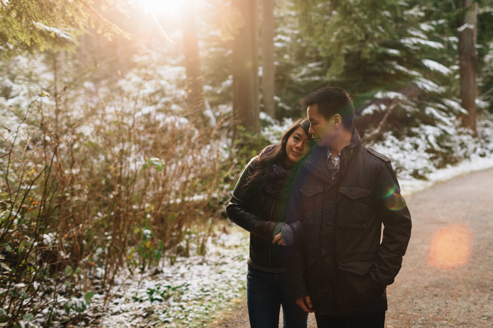 winter engagement photography in vancouver at stanley park