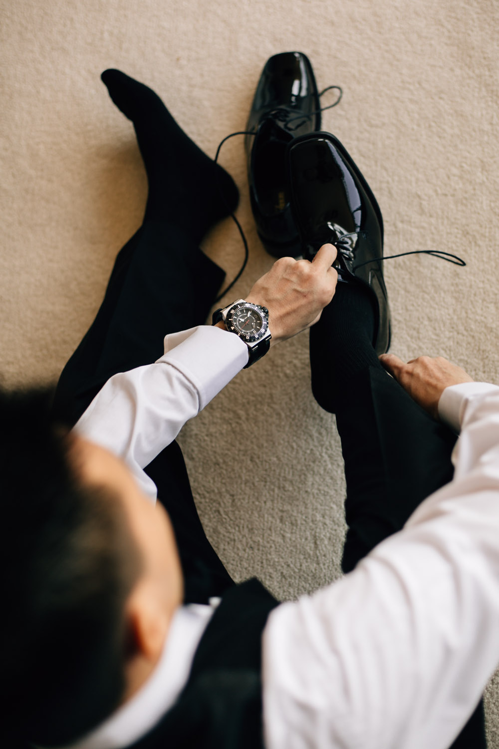 vancouver wedding photographer noyo creative groom shoes
