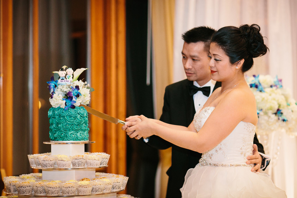 cake cutting coquitlam wedding photographer
