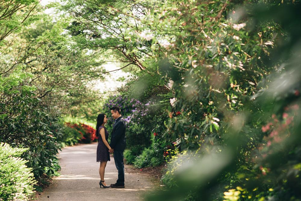 vandusen botanical gardens vancouver engagement photography portraits