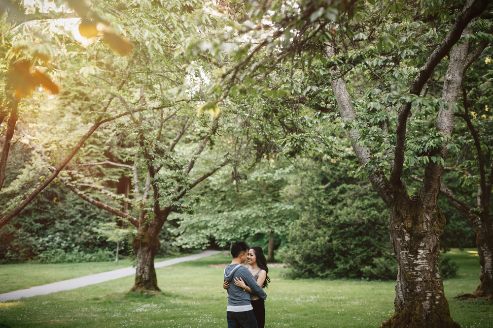 vancouver rose garden engagement photography