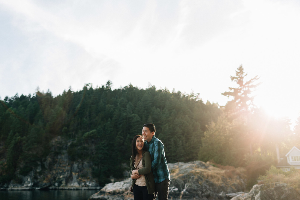 sunset engagement photography in west vancouver at caulfield park with mytyl and vincent chow