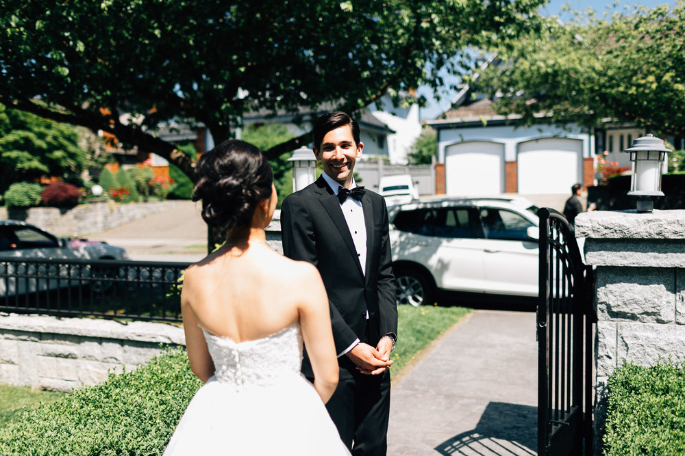vancouver wedding photography first look