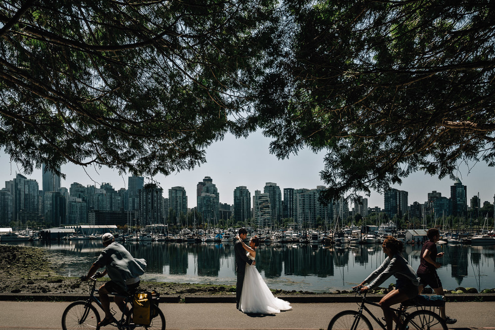 stanley park vancouver wedding photography seawall portrait of bride and groom