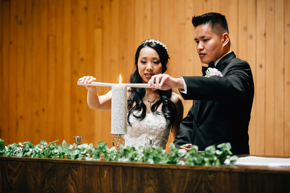 vancouver wedding photographer unity candle redeemer lutheran church