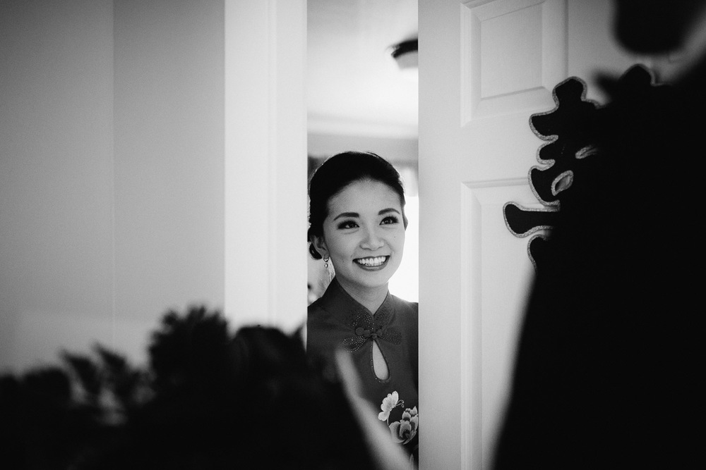 chinese door games bride and groom vancouver wedding photographer