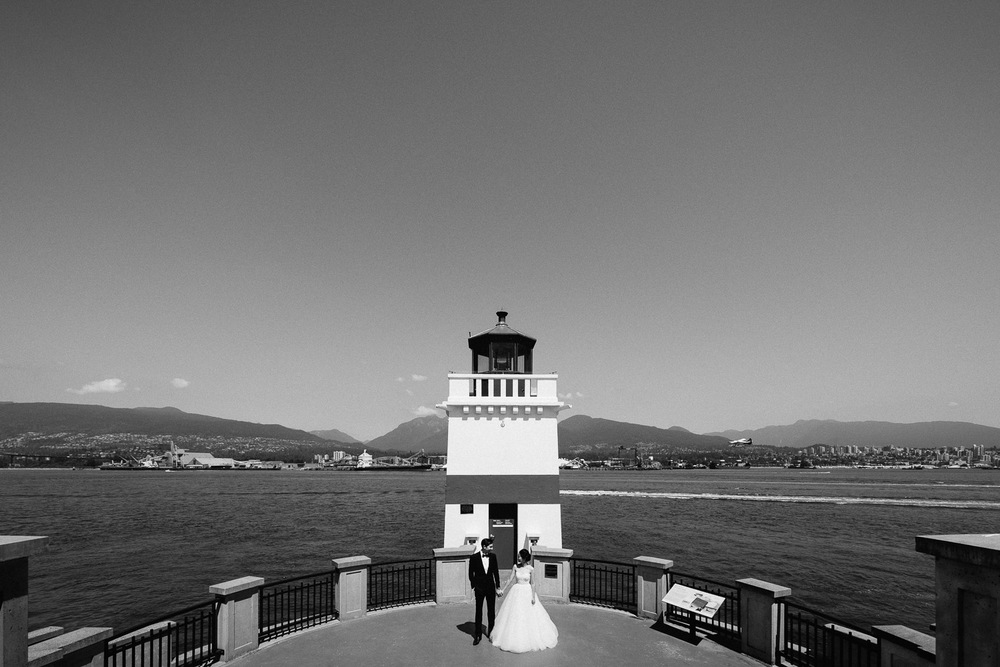 vancouver wedding photography in stanley park portrait
