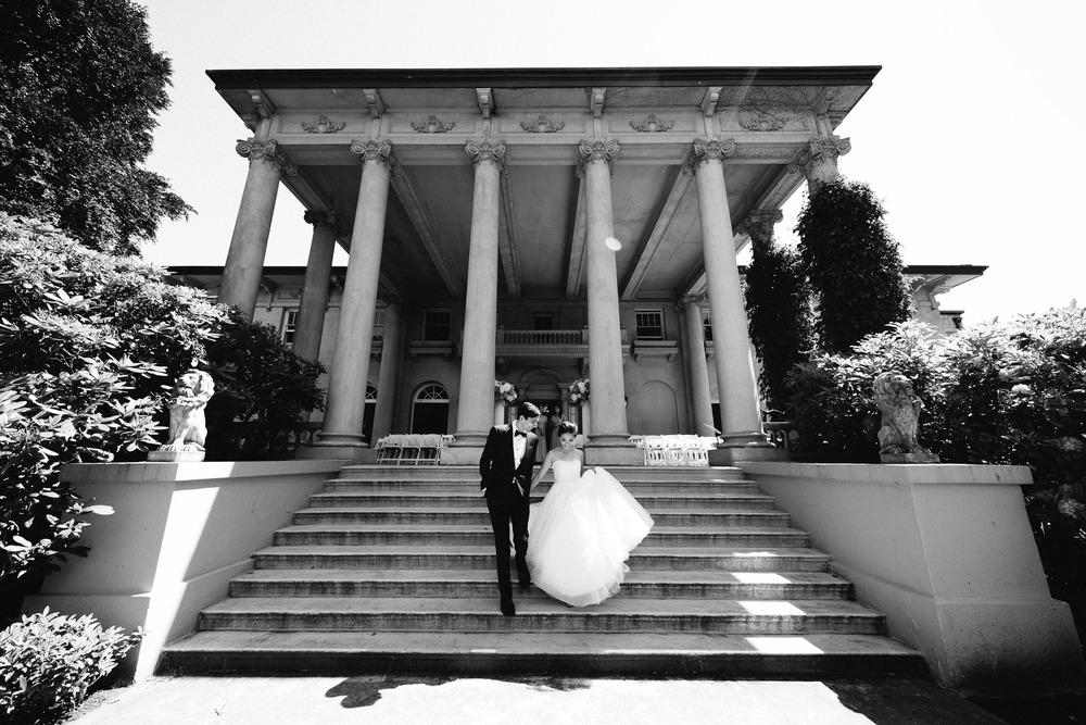vancouver wedding photography hycroft manor bride and groom portrait black and white