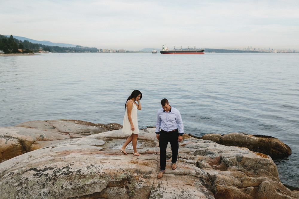 west vancouver engagement photographer caulfield park