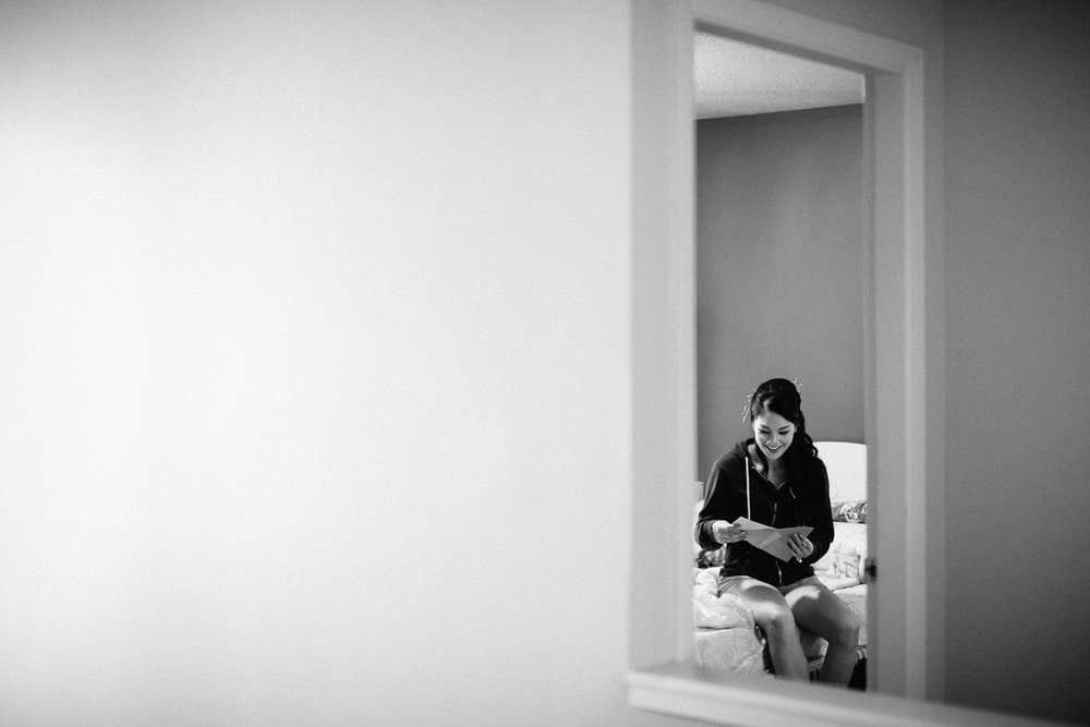 vancouver wedding photographer chinese bride getting ready