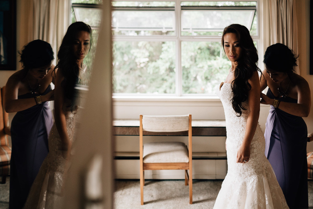 maple ridge wedding photographer bride getting ready