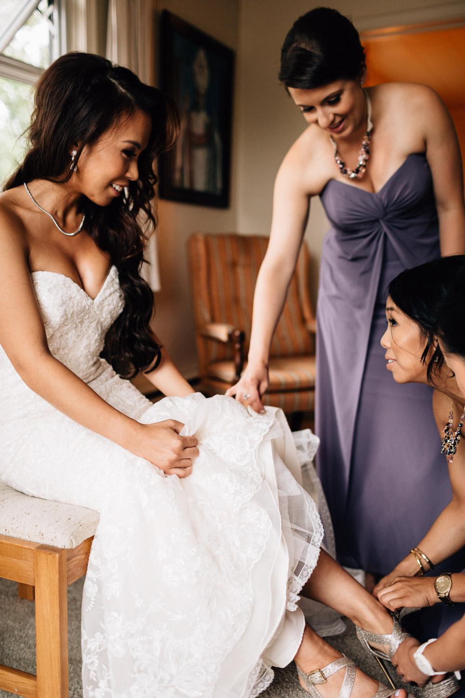 maple ridge wedding photographer bride getting ready