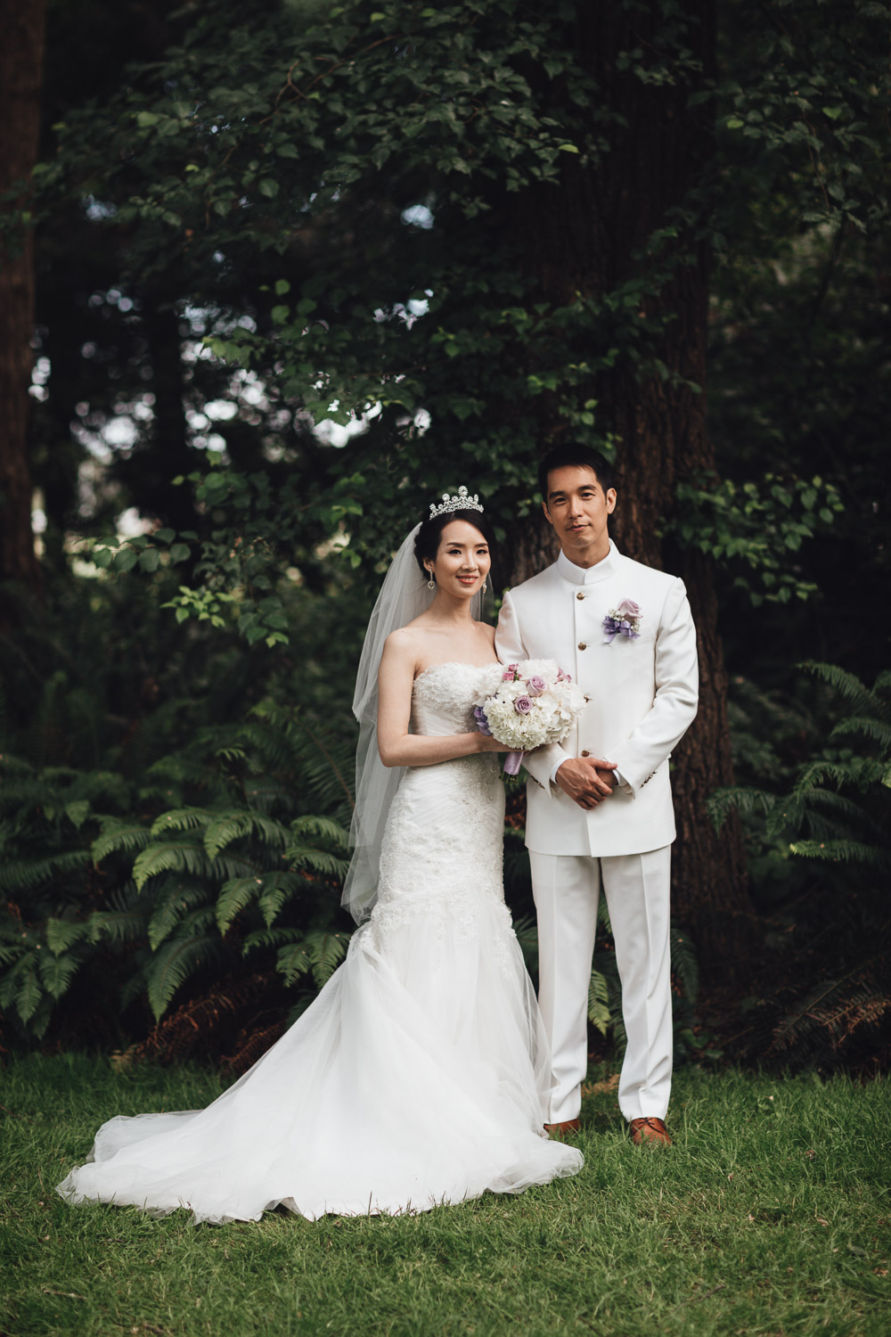 Taiwanese portrait bride and groom in Minoru Park