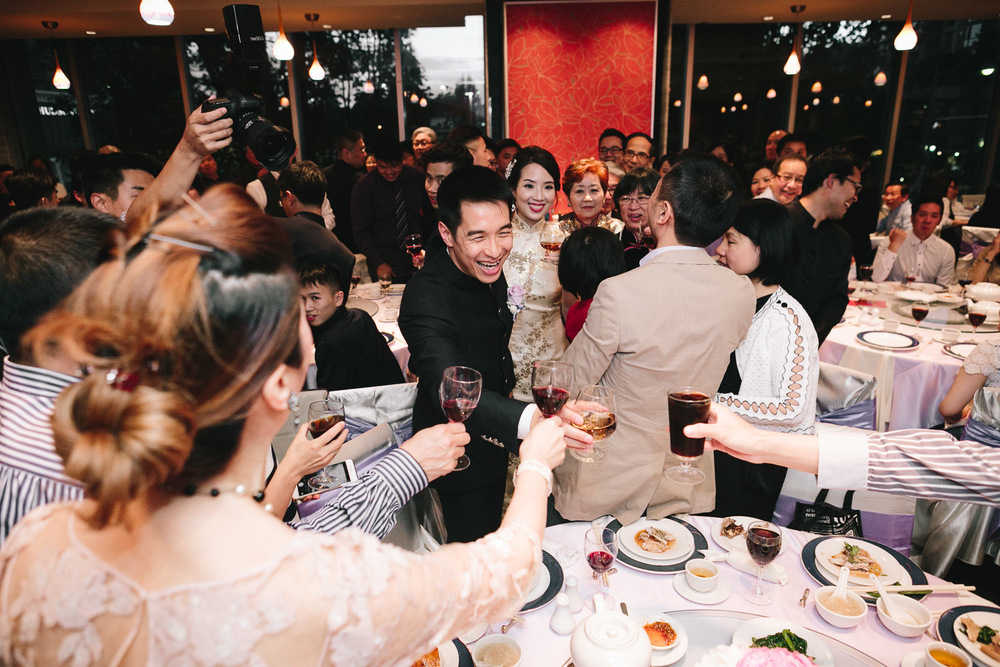 taiwanese table toasting celebration reception wedding