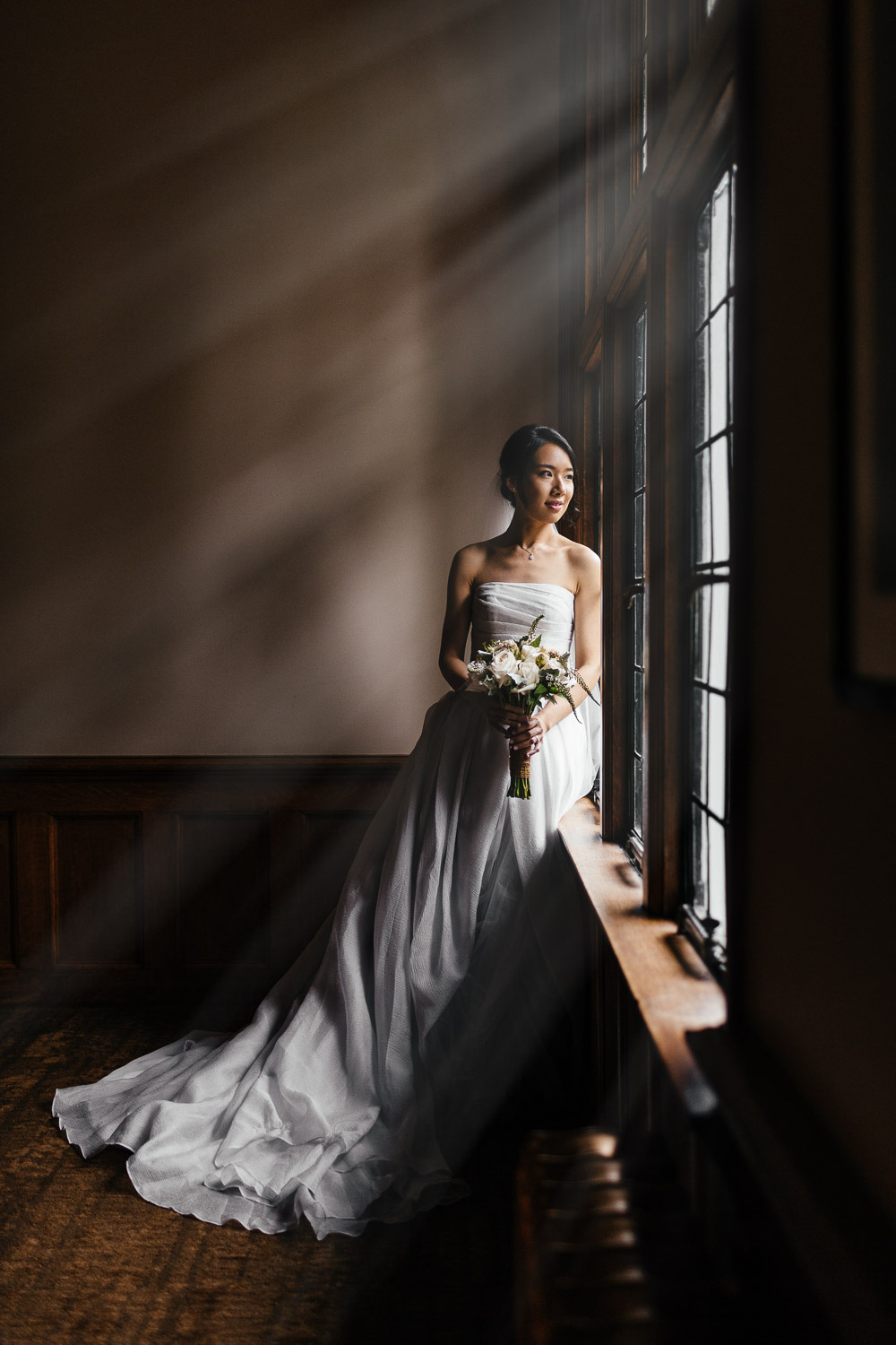bride at brockhouse restaurant in vancouver bc for wedding photography