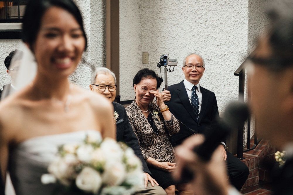 candid wedding photos at brockhouse restaurant wedding