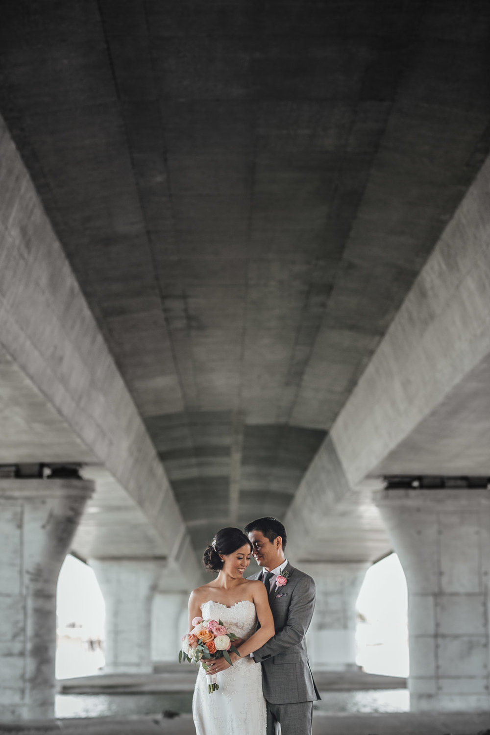richmond wedding photography under bridge portraits