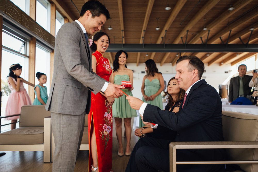 chinese tea ceremony at ubc boat house wedding photography in richmond bc