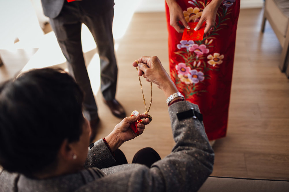 chinese tea cermeony at ubc boathouse in richmond bc wedding photographer