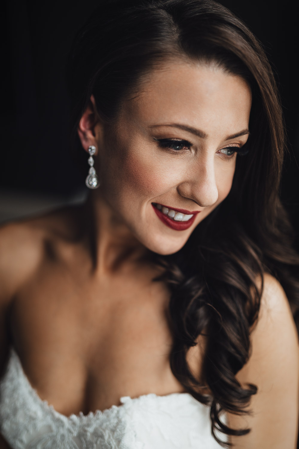 bride portrait in burnaby delta hotel wedding photography