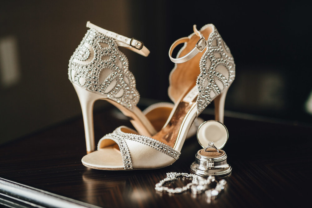 vancouver wedding photographer at rosewood hotel georgia badgley mischka