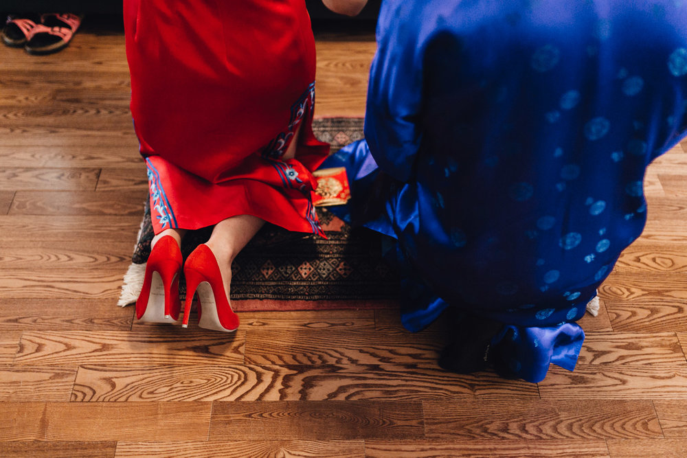 chinese tea ceremony tradition wedding photography in vancouver bc