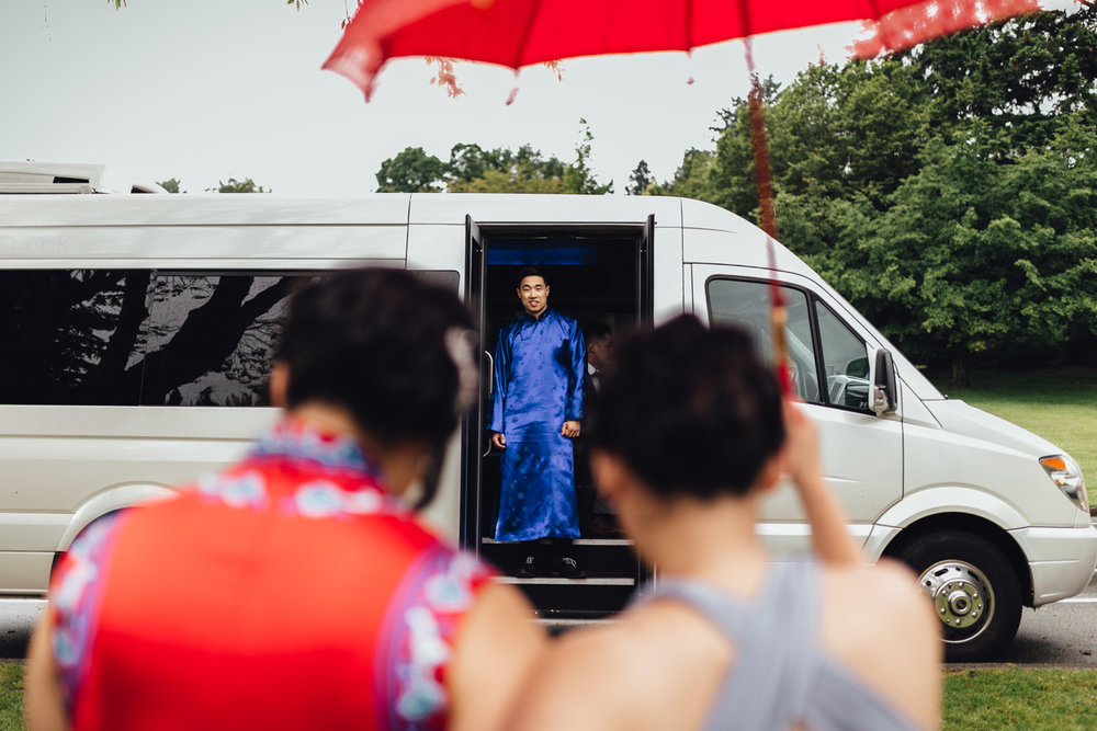 chinese ceremony tradition wedding photography in vancouver bc