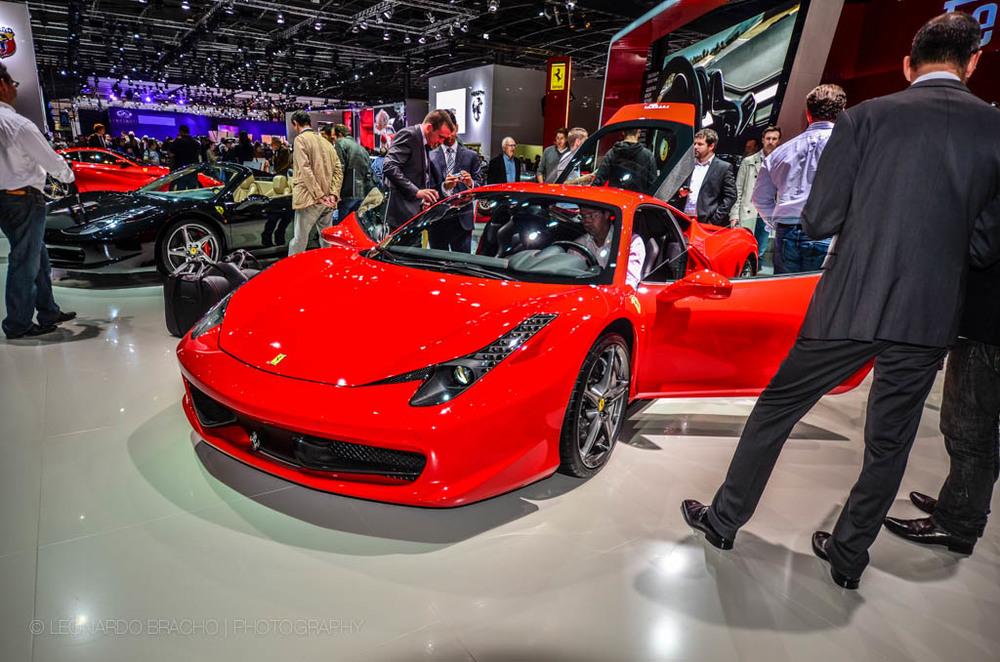 No puede faltar un Ferrari.