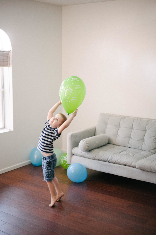 Toomanyballons-internet-3.jpg