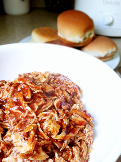 slow cooked BBQ chicken sandwiches | hello, sweetie!