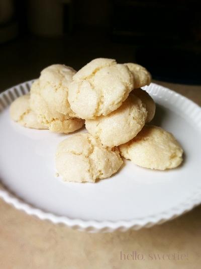 soft almond cookies | hello, sweetie!