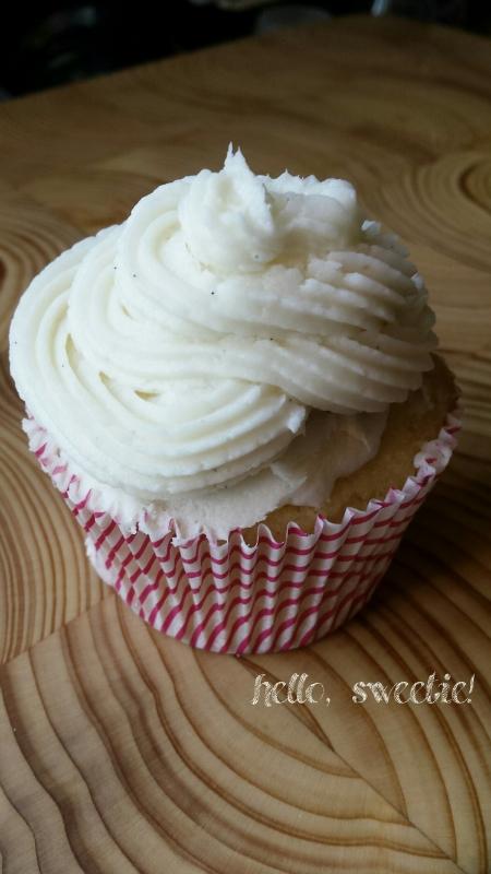 coconut vanilla bean cupcake