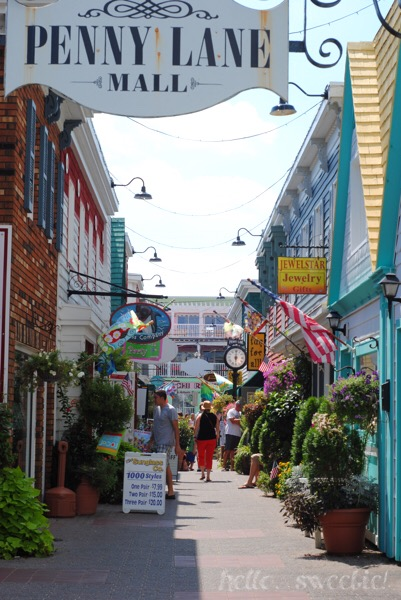 So many cute tourist shops to browse around in Rehoboth.