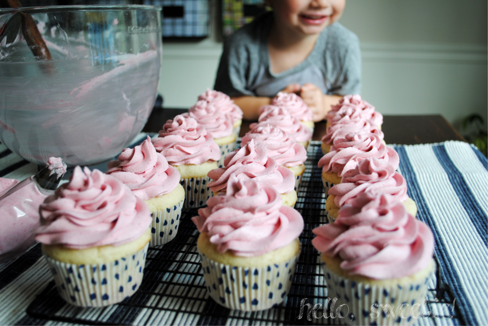 Almond Cupcakes with Fresh Raspberry Buttercream | Hello, Sweetie!