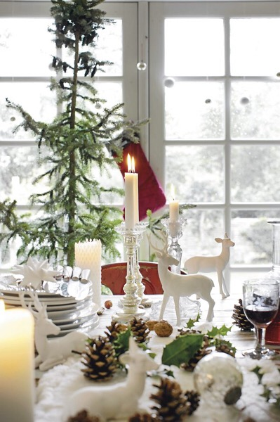 A sweet, decorated holiday table.