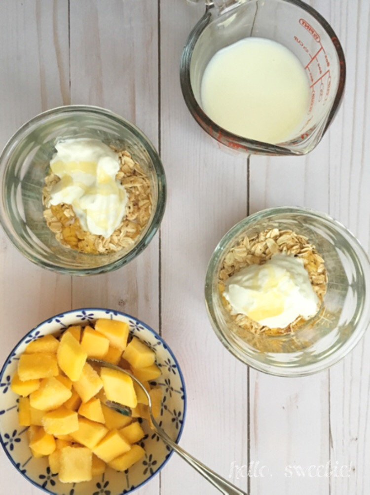 Overnight Oatmeal | Mix together a few ingredients at night for a filling & nutritious meal on-the-go in the morning!