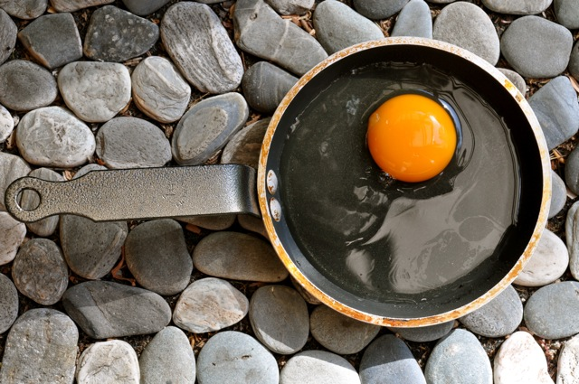 Cooking eggs naturally