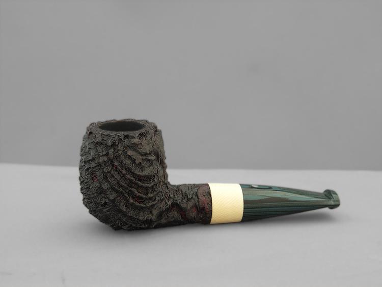 Michael Parks: des pipes d'une rare élégance et techniquement irréprochables! - Page 3 SB_MiniStout_Bill