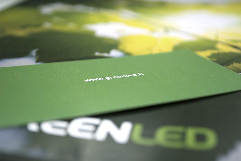 Happy Branding Company_Greenled_käyntikortti ja esite.jpg