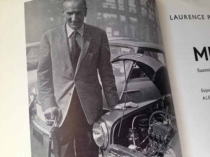 Sir Alec Issigonis vuonna 1959