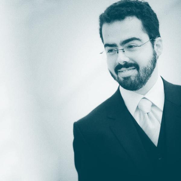 Diego Aranha - Diego Aranha é professor da Universidade Estadual de Campinas (Unicamp). Coordenou a primeira equipe de investigadores independentes capaz de detectar e explorar vulnerabilidades no software da urna eletrônica em testes controlados organizados pelo Tribunal Superior Eleitoral