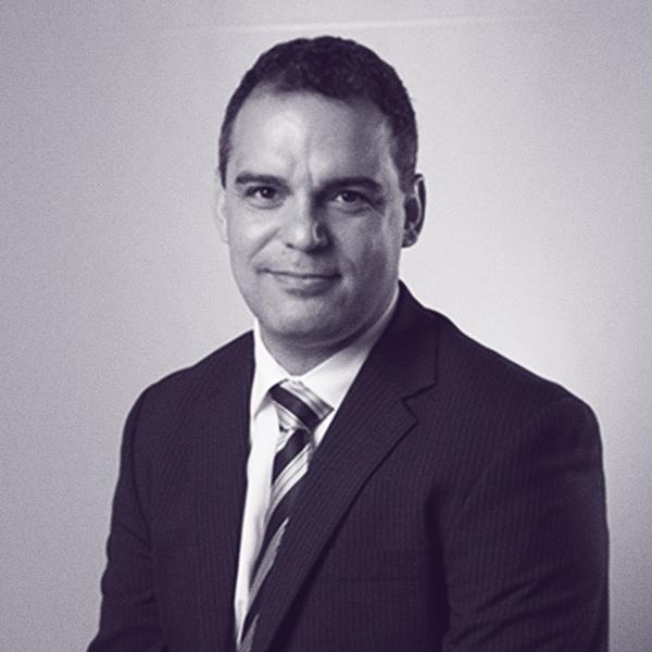 Juan Pablo Castro - Tem mais de 15 anos de experiencia no âmbito da segurança da informação e privacidade, atuando em distintos setores empresariais. Sua carreira o posicionou como referência indiscutível para a indústria de TI a nível nacional e da América Latina.Em janeiro de 2014 Juan Pablo Castro assumiu o cargo de Diretor de Inovação Tecnológica da Trend Micro.