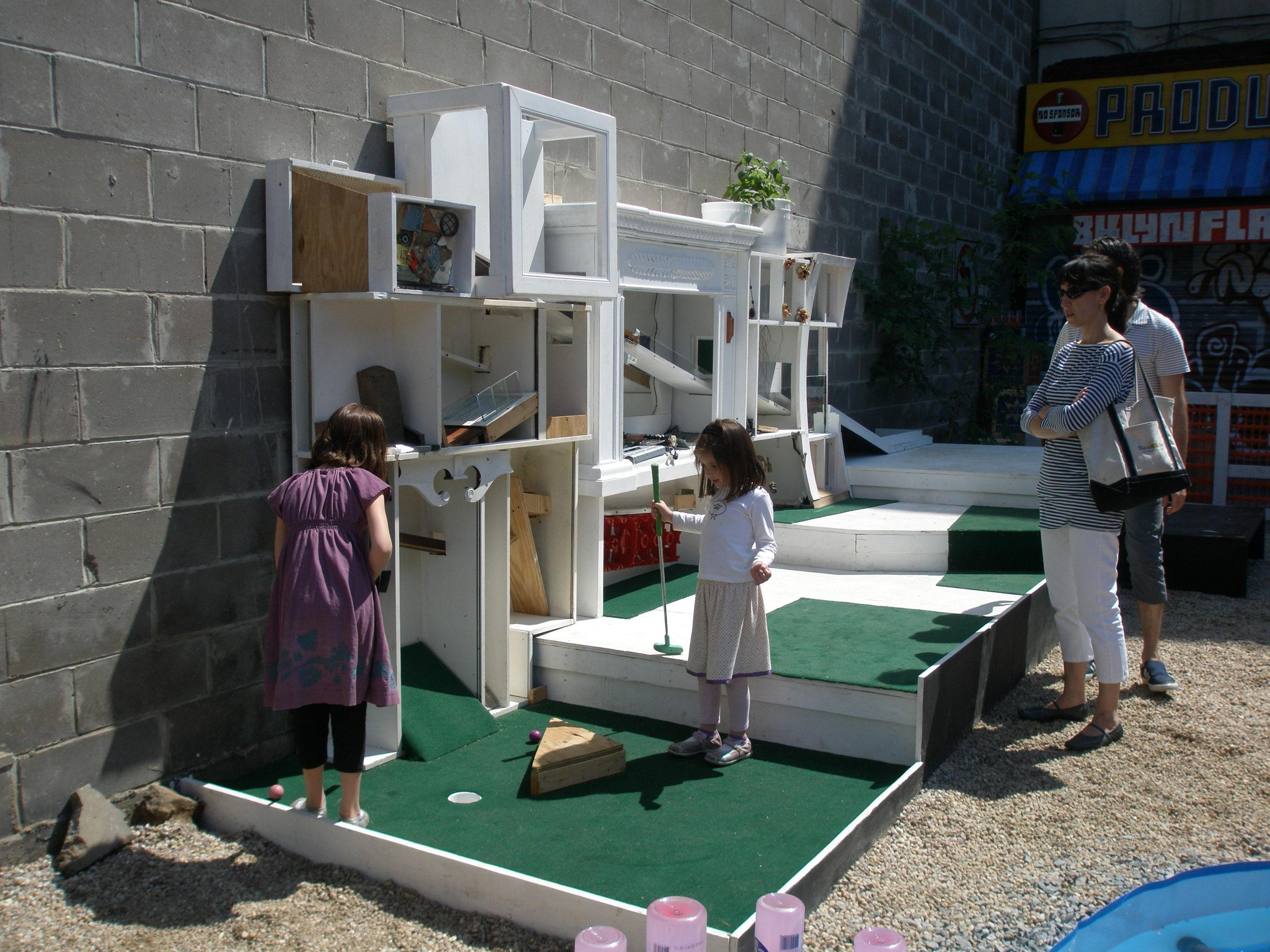 kids at puttling lot