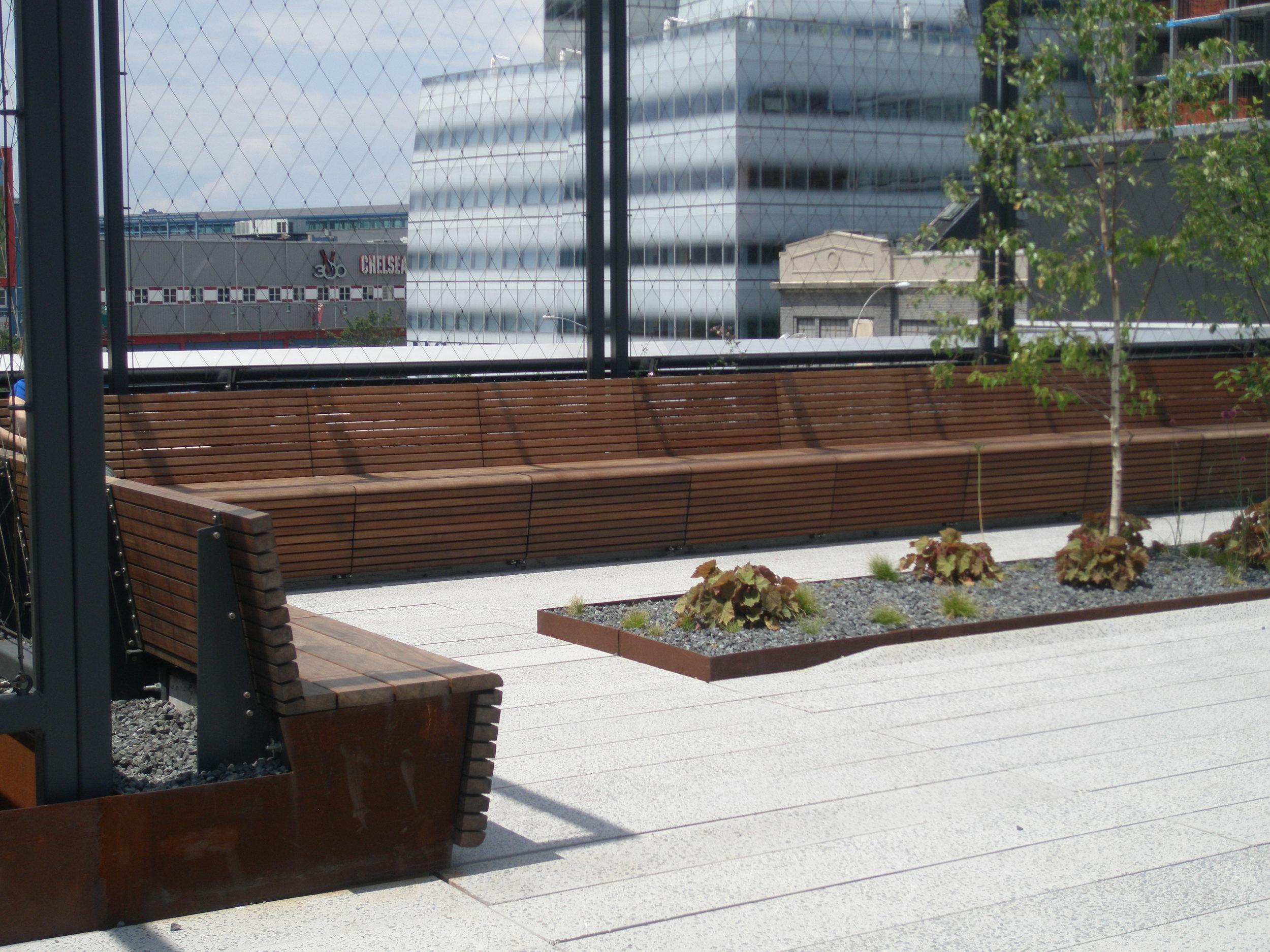 bench 03